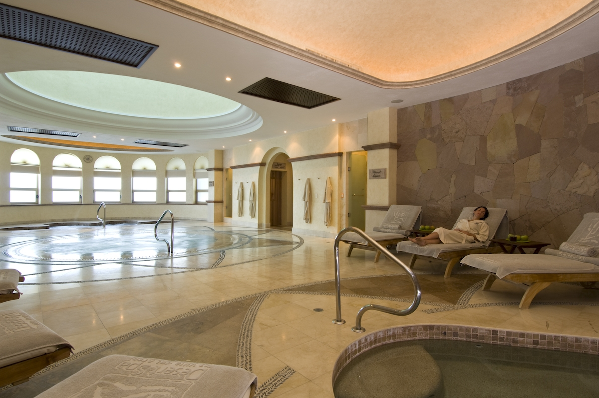 Top 10 hydrotherapy circuits at spas in north america for Best spa vacations usa