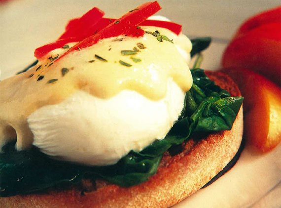 Eggs benedict image courtesy of Canyon Ranch