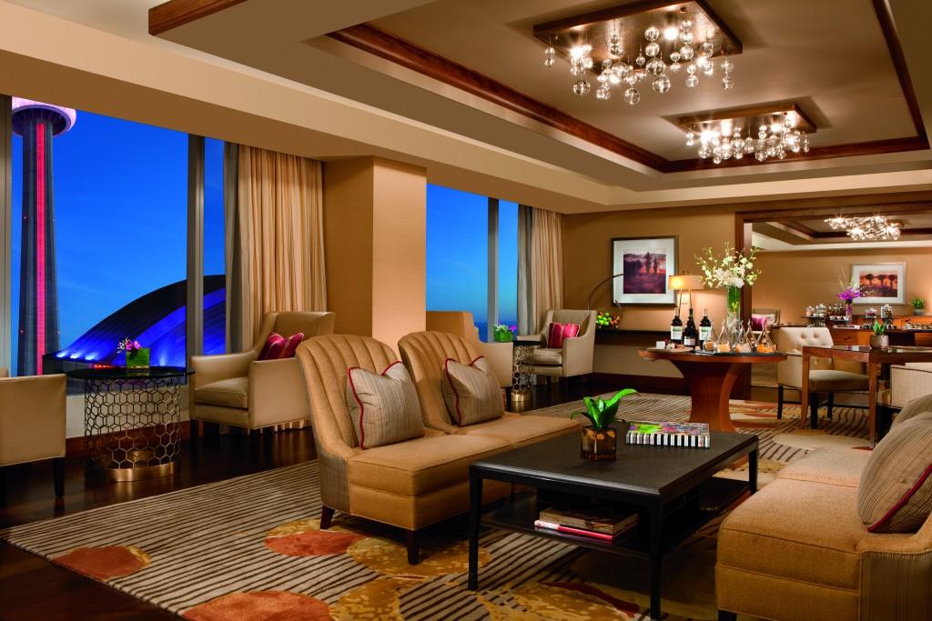 Ritz-Carlton Toronto club lounge