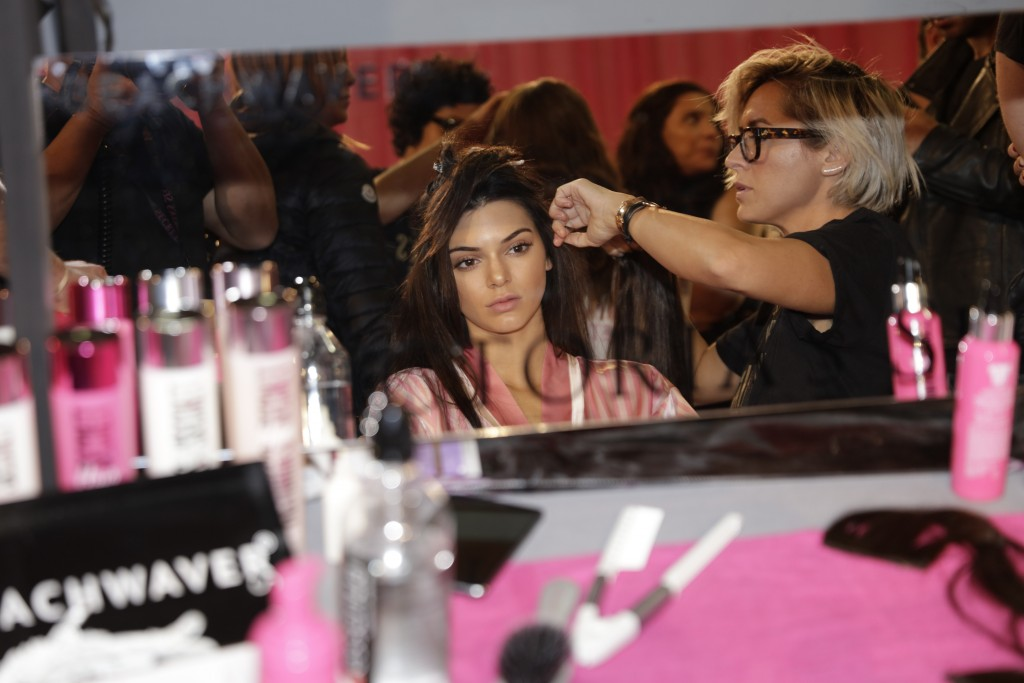 victoria's secret step by step hair and makeup guides