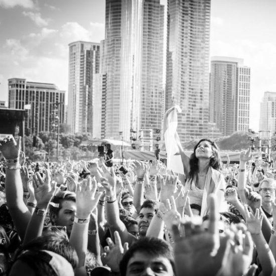 lollapalooza crowd shot