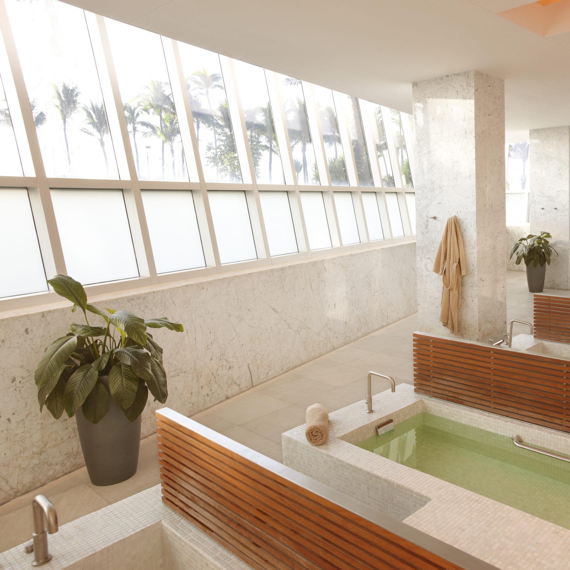 women's wet room lapis spa
